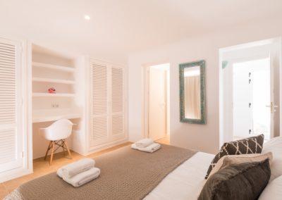 201-BedroomTop2